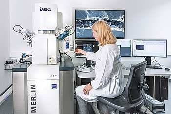[Translate to Chinesisch:] Zeiss Merlin Gemini Scanning Electron Microscope